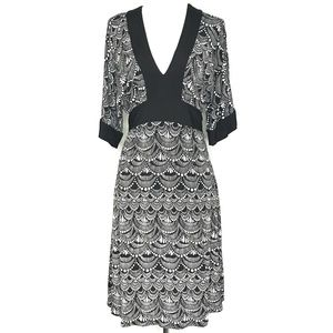 Noticeable Black White Print V-Neck Dress A130331